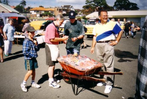 1990-91 Seafood Club Raffle sellers, Dom Fondacaro, Bob White