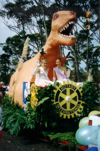 1998-04-12 Blessing Of the Fleet,  Dinosaur (made by Rotarian Werner Pohl) Princess Float