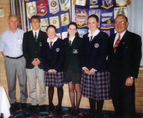 2001-09-04 High School captains; Cheyne Whitford, Gabrielle Ling, Rachel Hemmings, Jesse Breen, Rotarian Bill Martin and President Wayne Fry